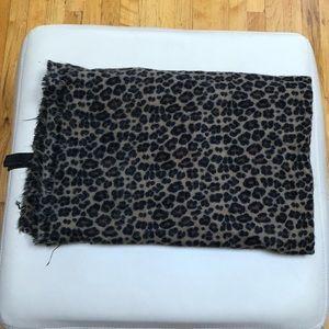 Zara Leopard Print Scarf 🐆